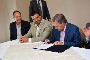 Schiaretti visitó Alta Gracia y firmó importantes convenios.